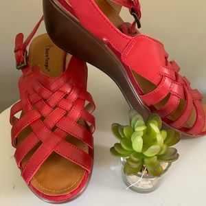Like new red BareTraps sandals size 8.5